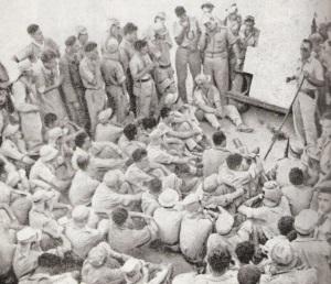 משה דיין מתדרך את גדוד הקומנדו לפני הפשיטה על לוד, 1948.