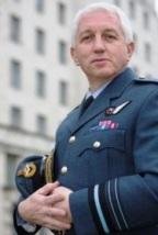 מרשל האוויר פיליפ אוסבורן ראש המודיעין במשרד ההגנה הבריטי